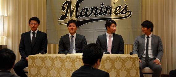 左から寺嶋選手、藤岡選手、田中選手、唐川選手